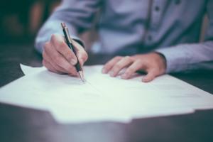 Vertragsrecht-fair-kompetent-Rechtskraft-in-Zuerich-1